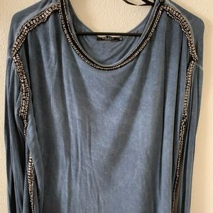 Long sleeve loose fitting shirt with jewels